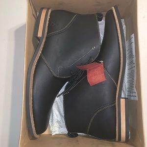 Pair of Penguin by Munsingwear Shoes